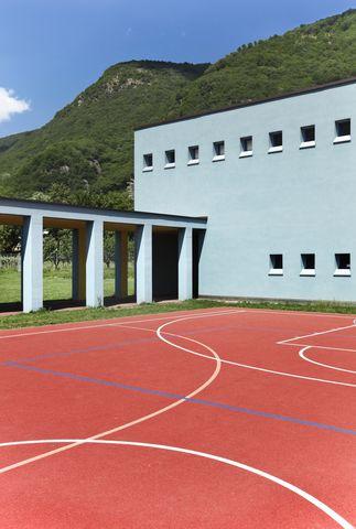 Choosing Floor Coverings to Use in your School